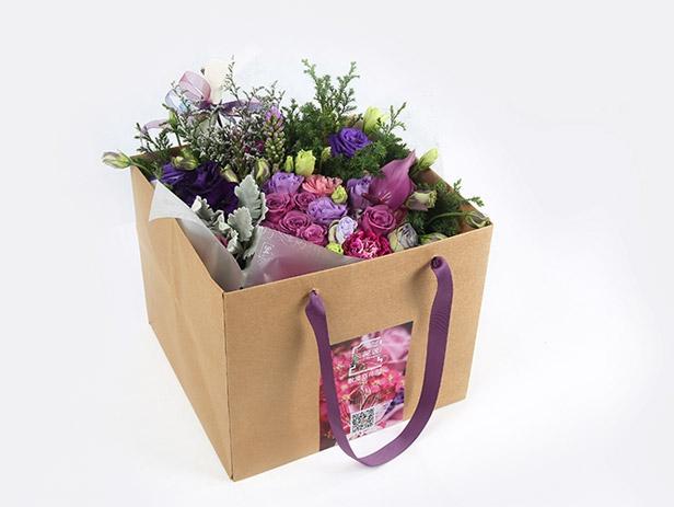 设计及包装说明:·散漫后花园的花束与花盒共有十几个品种.